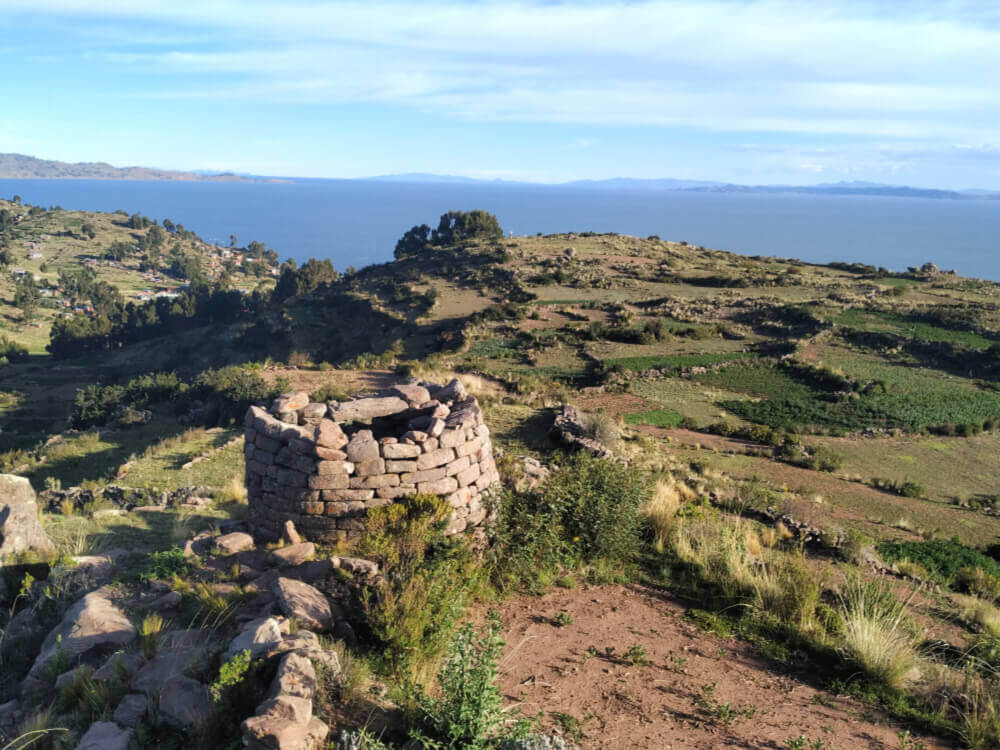 Trekking-jezioro-titicaca-llachon