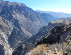 widok na kanion colca w peru