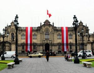Lima atrakcje plaza de armas